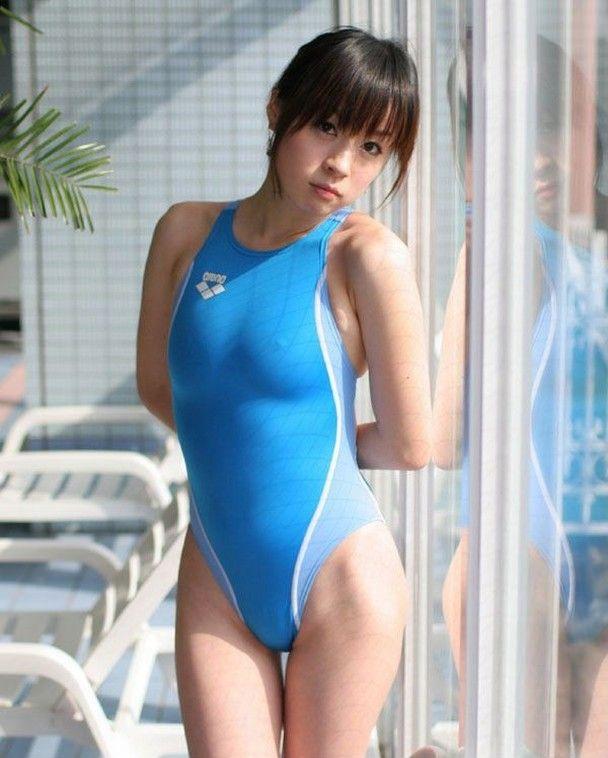水着 美女 透ける 乳首 胸ポチ ビンビン 美人 エロ画像【4】