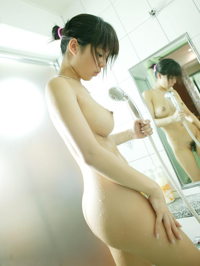 ロリ 巨乳 童顔 おっぱい エロ画像【14】