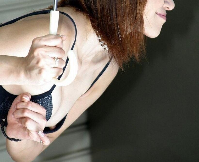 キャンギャル レースクイーン 乳首 ポロリ おっぱい ハプニング エロ画像【4】