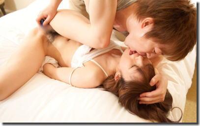 前戯してぇ!マンコ触りつつキスする接吻手マンのエロ画像 ④