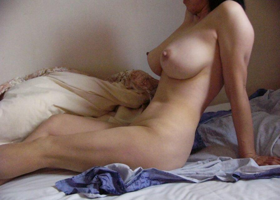 ババア 美乳 熟女 おっぱい 綺麗 エロ画像