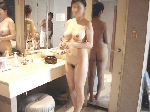 ババア 美乳 熟女 おっぱい 綺麗 エロ画像【34】