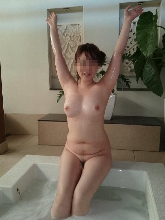 ババア 美乳 熟女 おっぱい 綺麗 エロ画像【35】