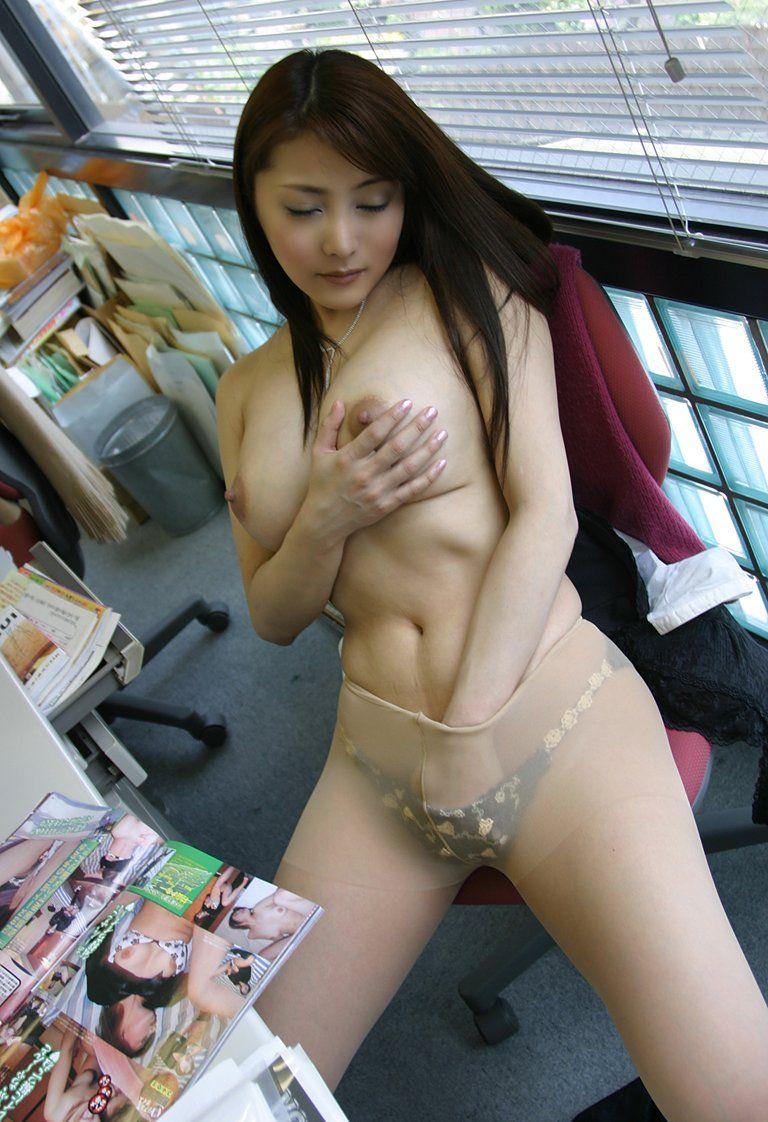 性欲 職場 OL 仕事中 オナニー エロ画像【6】