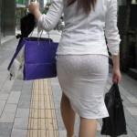 働く女のパンティライン!OLの透けパン・パン線エロ画像