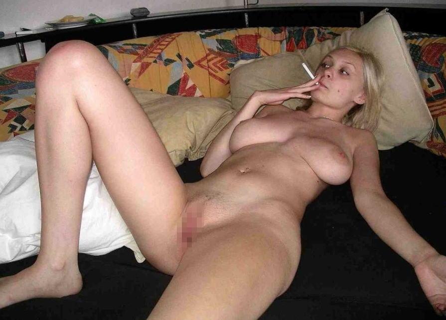 外国人 全裸 タバコ スモーキング ヌード エロ画像