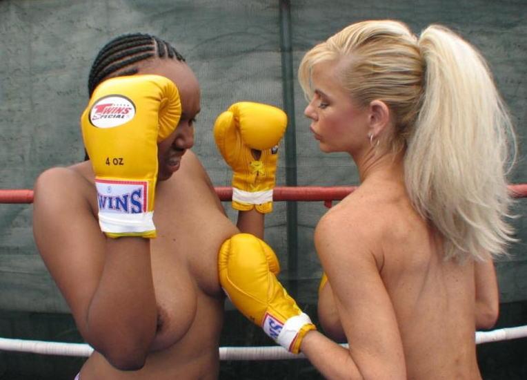 外国人 全裸 運動 ヌーディスト スポーツ エロ画像