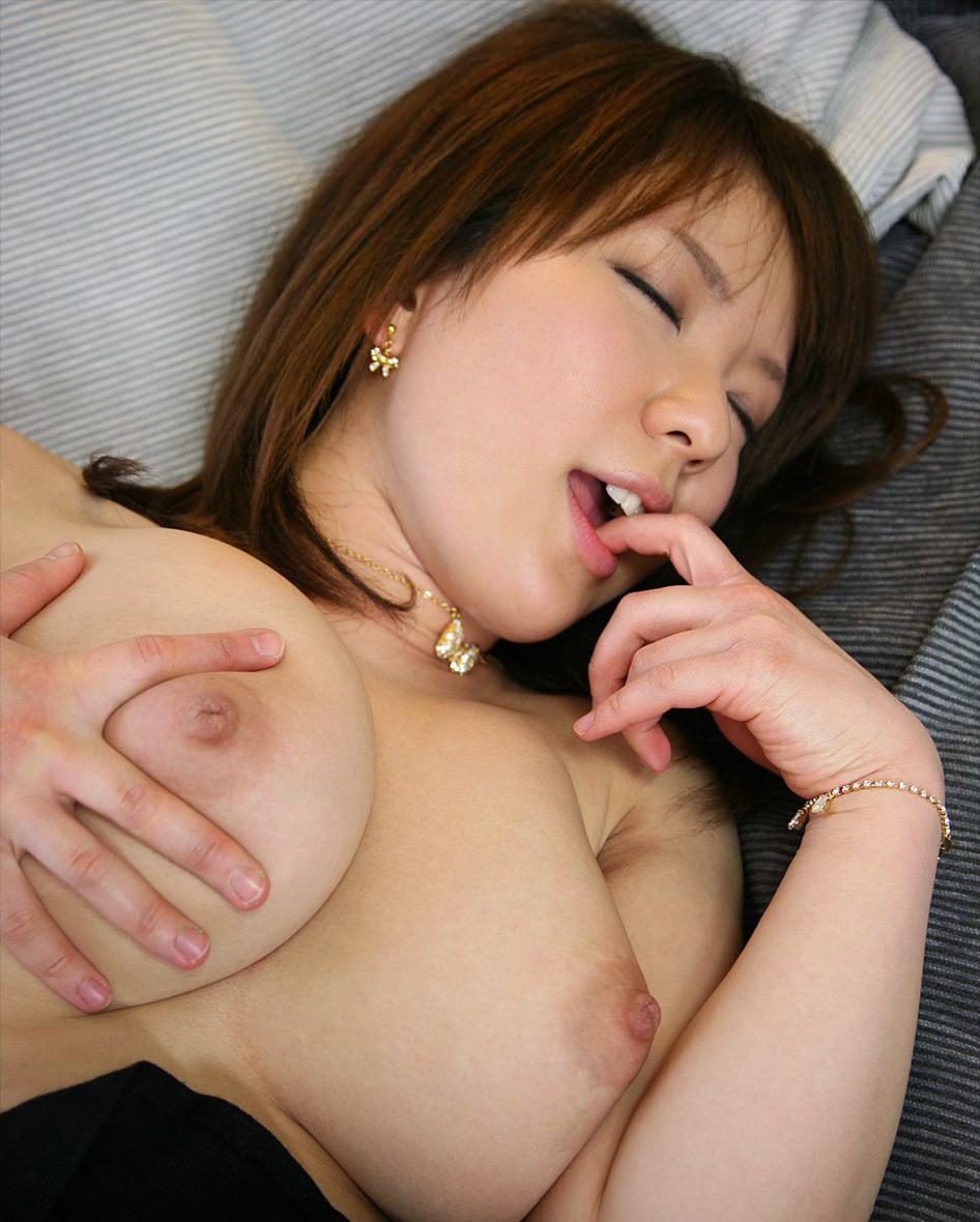 イク 仕草 口 塞ぐ 指 噛む エロ画像【4】