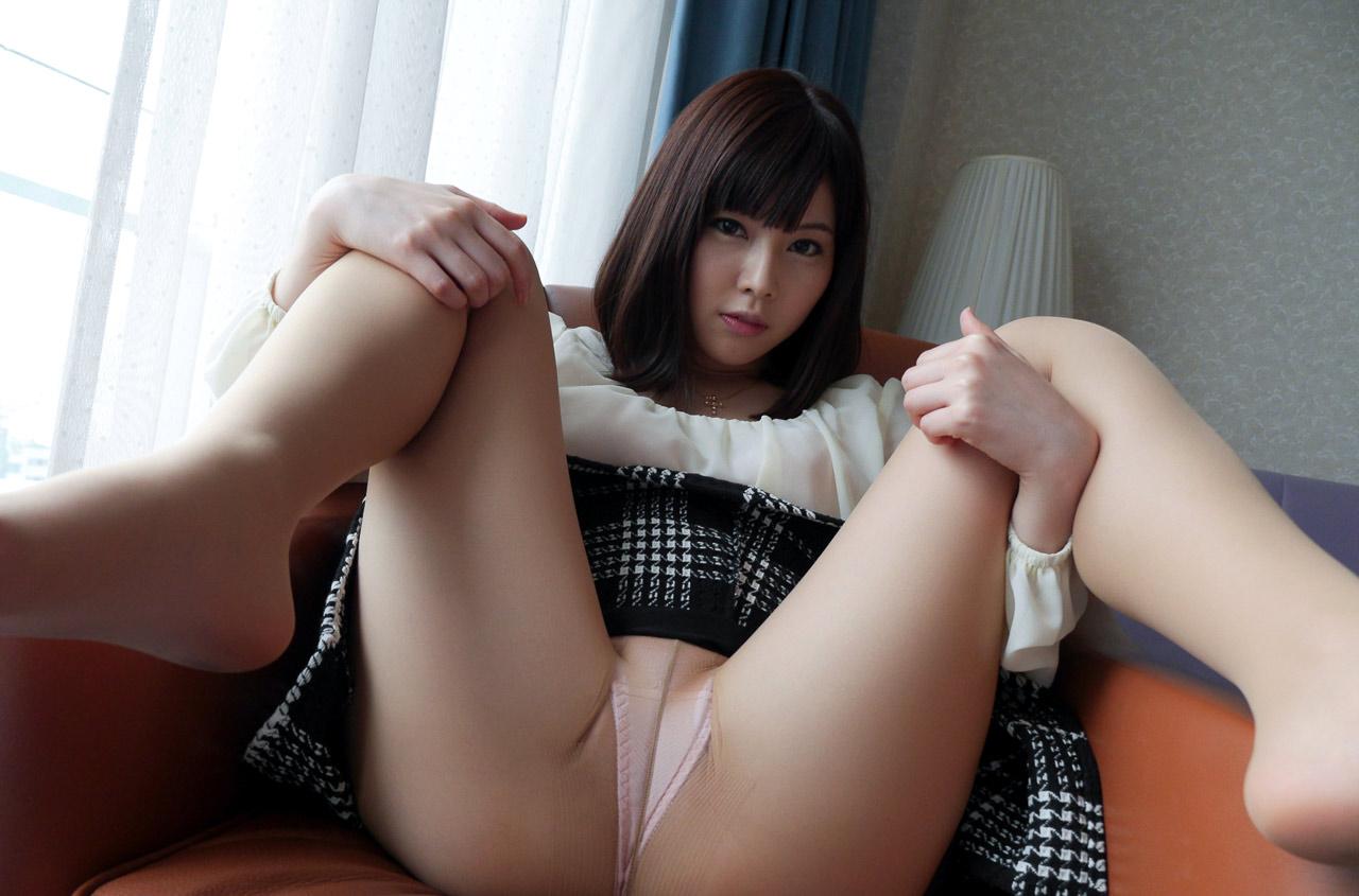 美女 M字開脚 綺麗なお姉さん 股間 エロ画像【38】