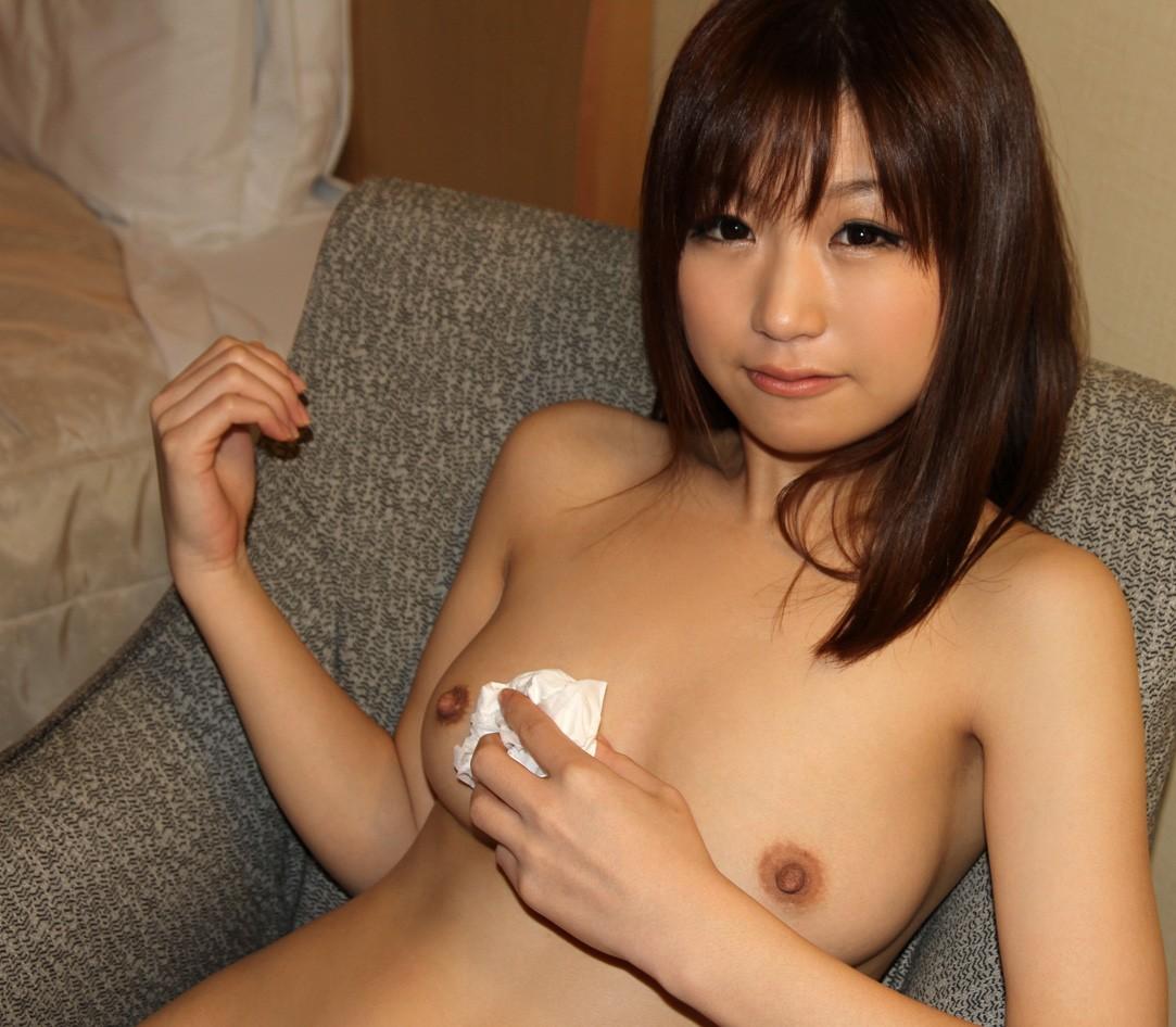 美女 ティッシュ ザーメン 拭く 事後 美人 エロ画像【30】
