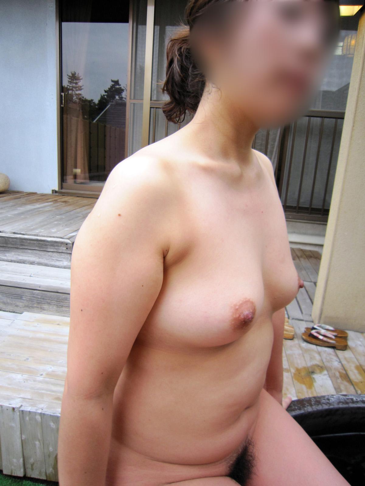 人妻 熟女 温泉 露天風呂 エロ画像【12】