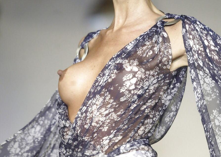 ファッションショー モデル 乳首 勃起 エロ画像