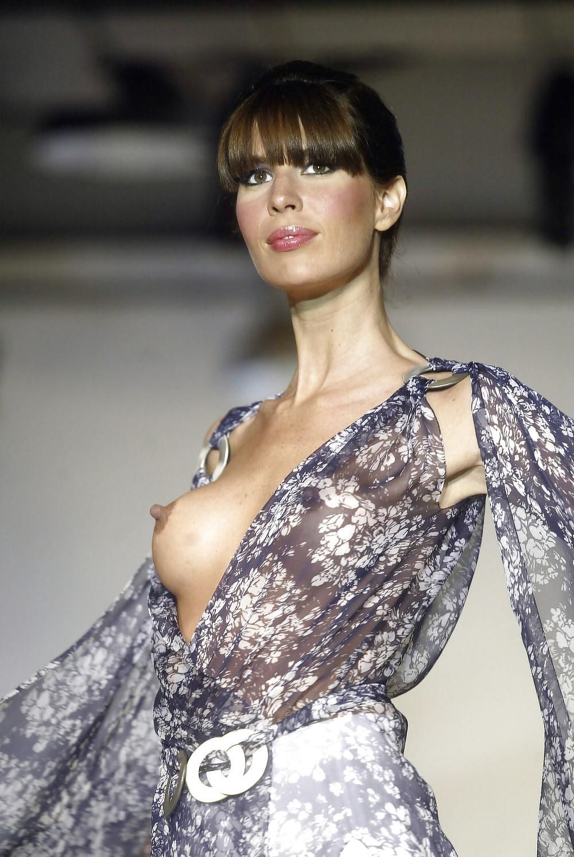 Fashion show pussy slip