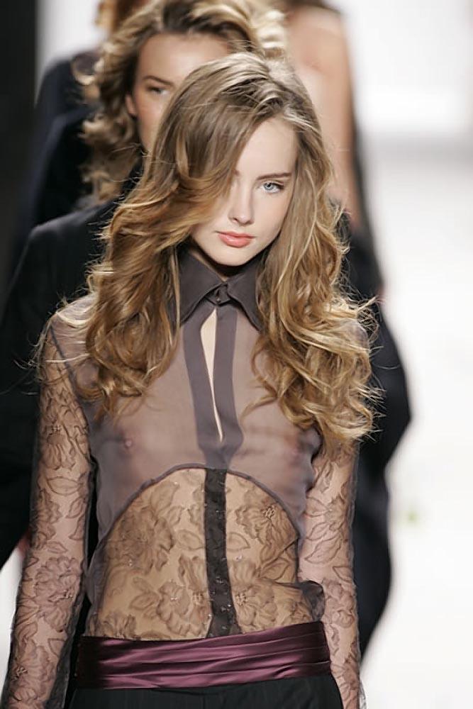 ファッションショー モデル 乳首 勃起 エロ画像【6】