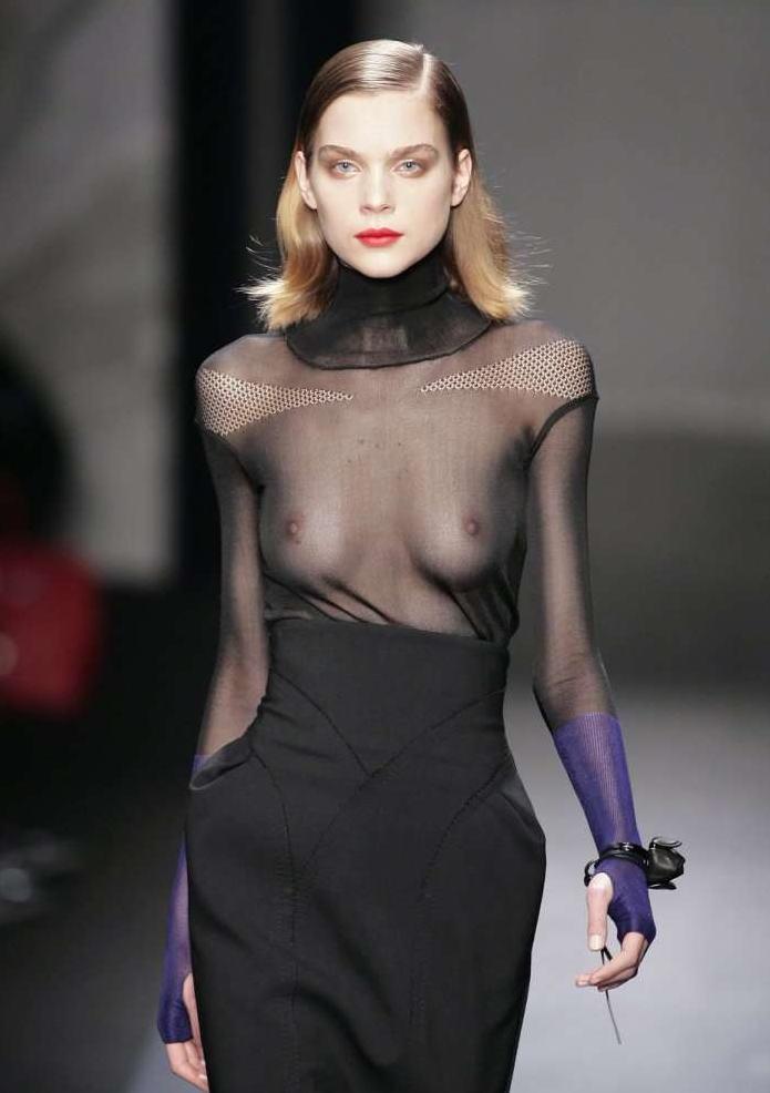 ファッションショー モデル 乳首 勃起 エロ画像【18】