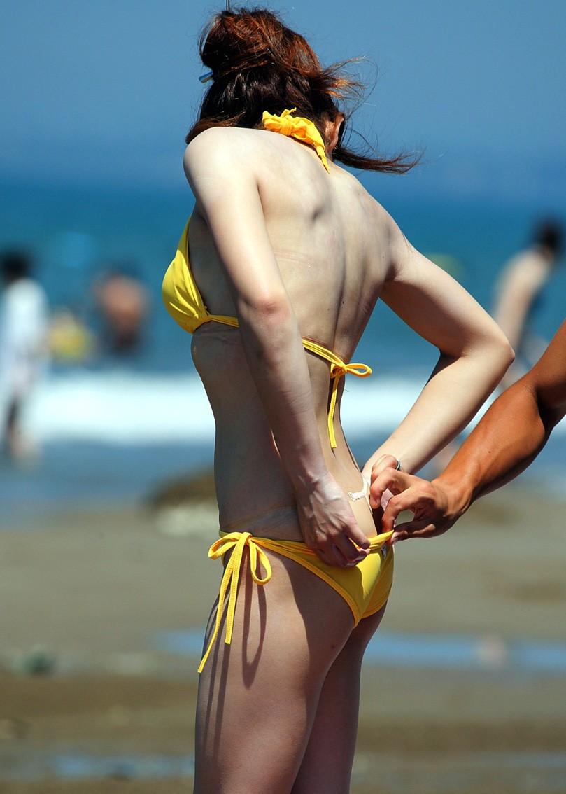 乳首 ポロリ ハミ毛 ビキニ 水着 お宝 ハプニング エロ画像【29】