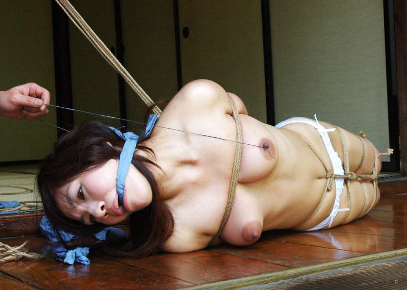 畳 縁側 縛る 日本家屋 情緒 和室 緊縛 エロ画像