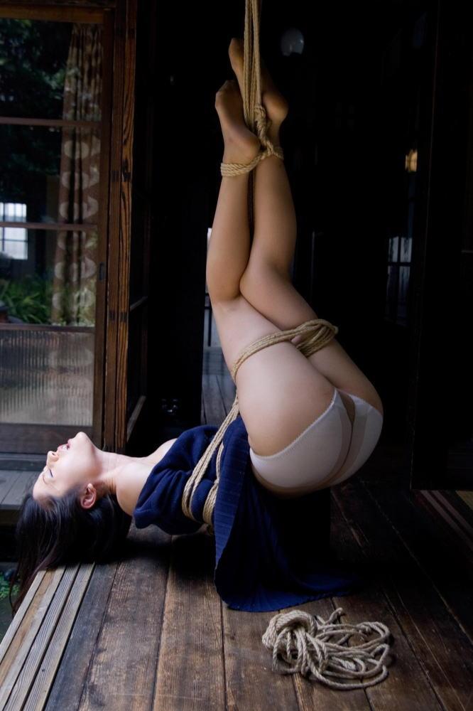 畳 縁側 縛る 日本家屋 情緒 和室 緊縛 エロ画像【22】