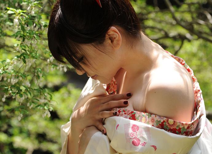 着物 浴衣 和服 うなじ 色っぽい 襟足 エロ画像【31】