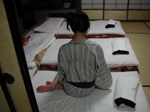 着物 浴衣 和服 うなじ 色っぽい 襟足 エロ画像【36】