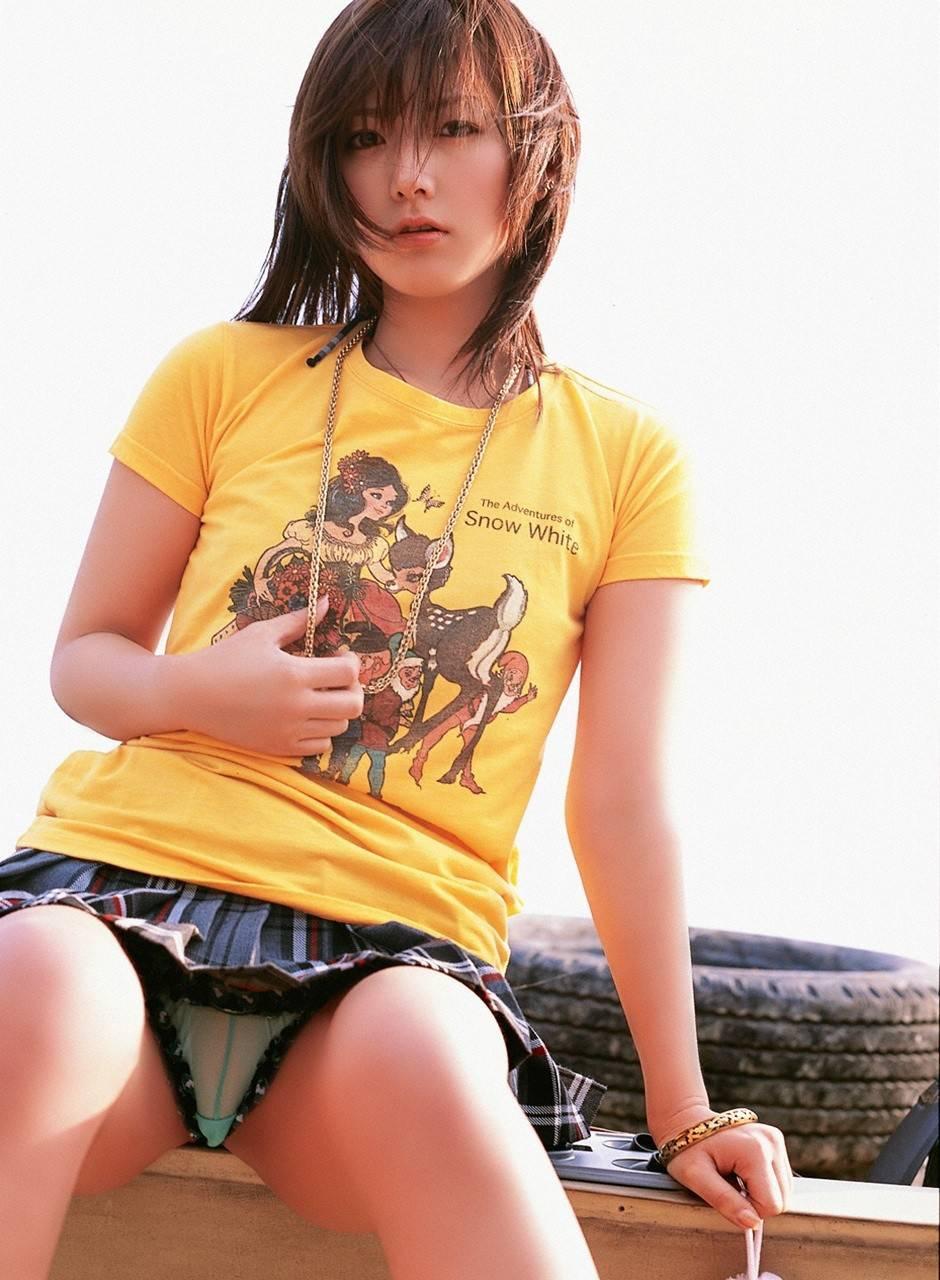 抜ける 美女 パンチラ エロ画像【33】