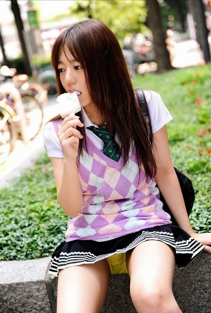 抜ける 美女 パンチラ エロ画像【36】