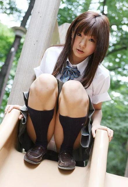 抜ける 美女 パンチラ エロ画像【40】