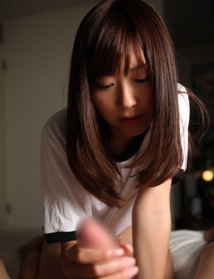 手コキ 美女 綺麗なお姉さん チンポ 触る エロ画像【10】
