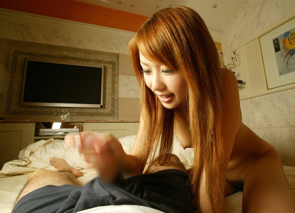 手コキ 美女 綺麗なお姉さん チンポ 触る エロ画像【43】