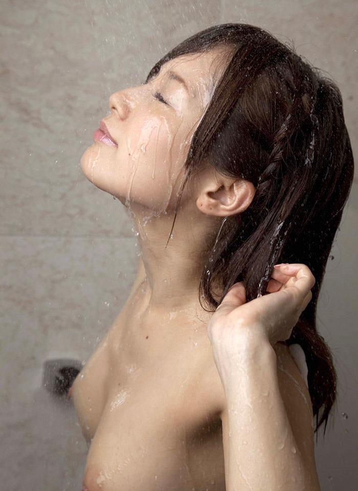 可愛い女の子 シャワー 放水 ヌード エロ画像【5】