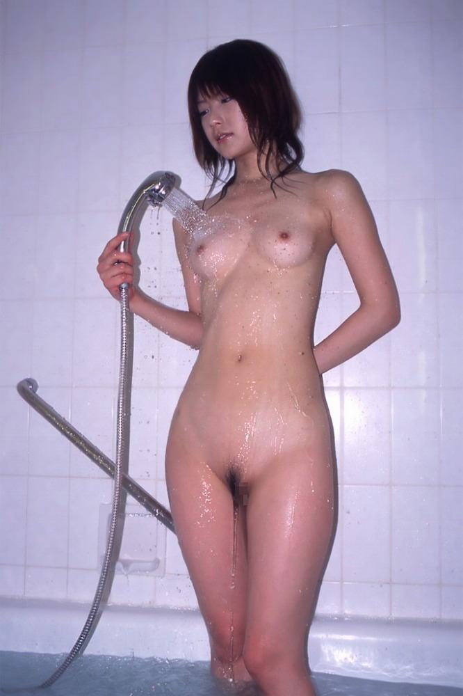 可愛い女の子 シャワー 放水 ヌード エロ画像【32】
