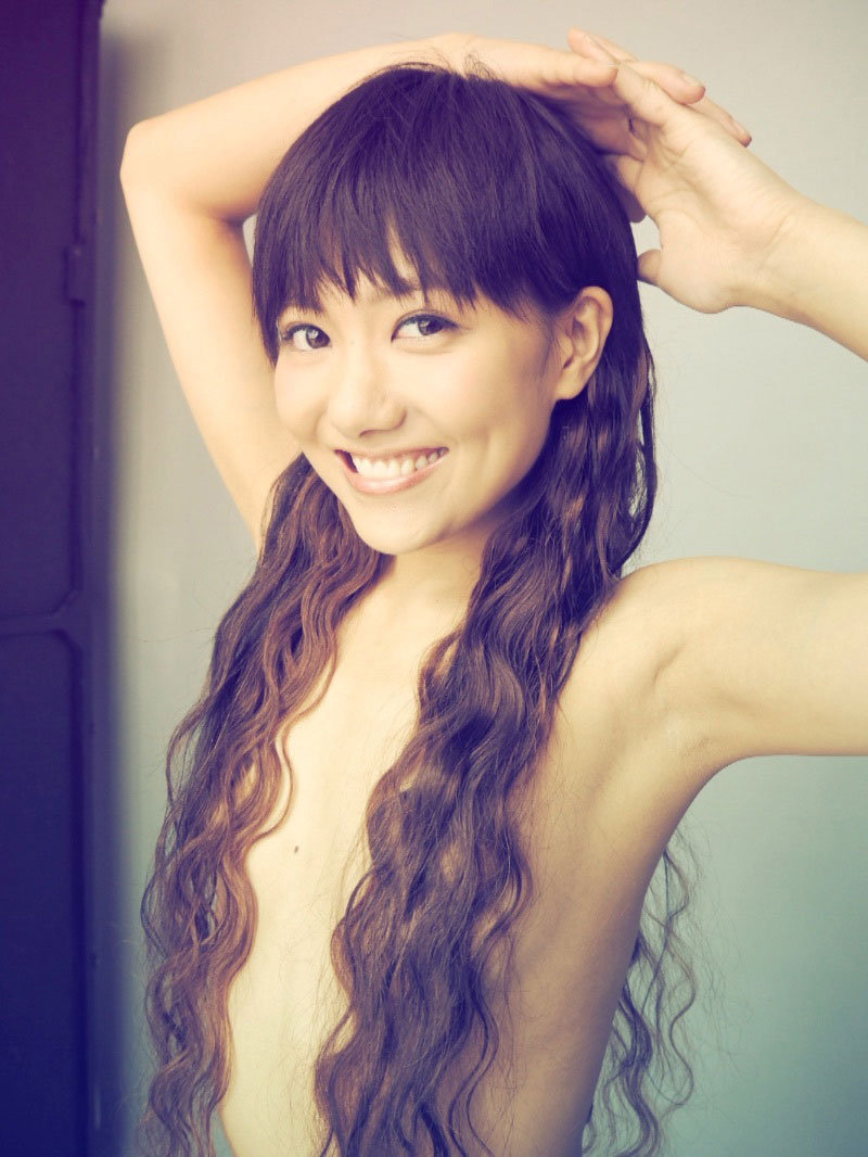 お姉さん ロングヘア 乳首 隠す 髪ブラ 美女 エロ画像【26】