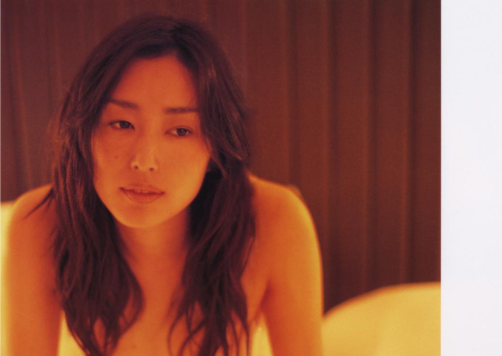 お姉さん ロングヘア 乳首 隠す 髪ブラ 美女 エロ画像【31】
