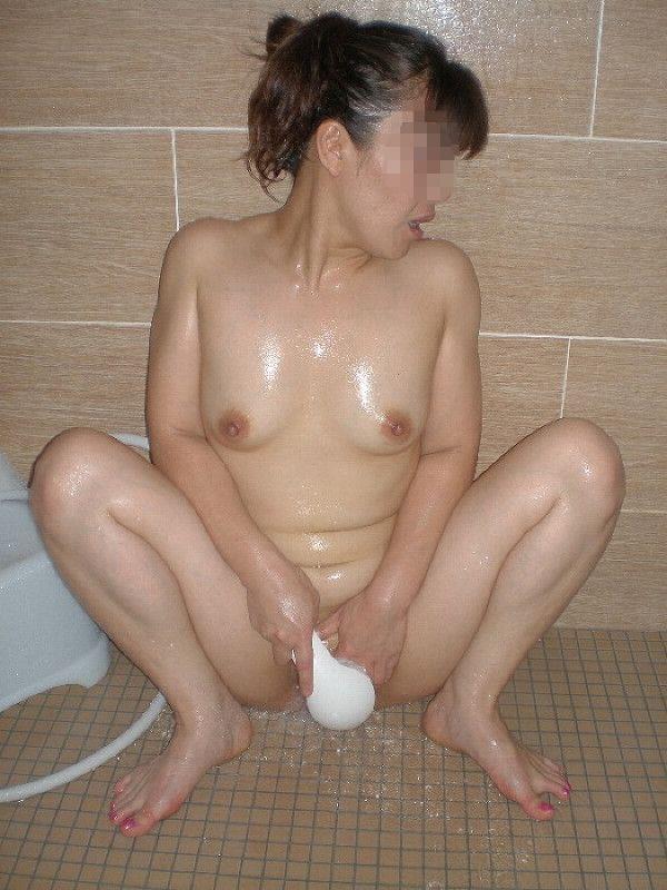 一般女性 マンコ 洗う 風呂 素人 エロ画像【12】