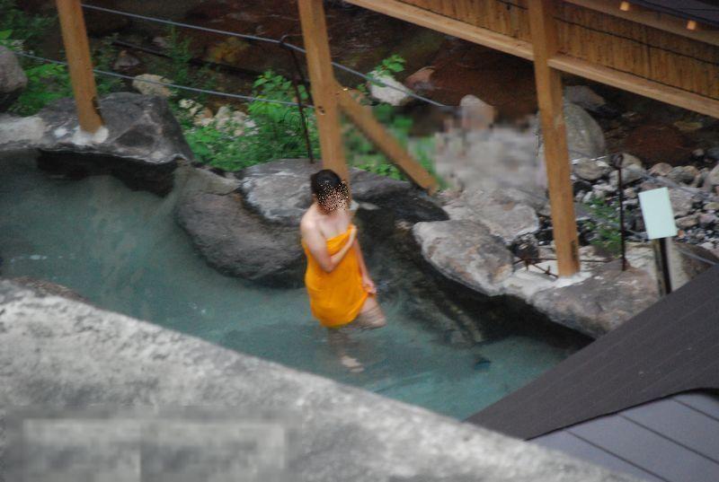望遠カメラ 女湯 露天風呂 温泉 盗撮 エロ画像【19】