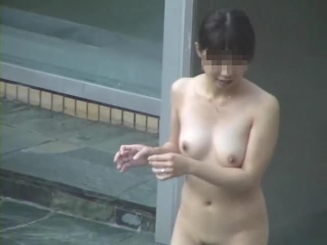 望遠カメラ 女湯 露天風呂 温泉 盗撮 エロ画像【32】