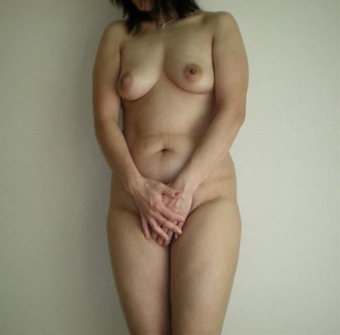 人妻 熟女 全裸 中年太り おばさん ヌード エロ画像【5】