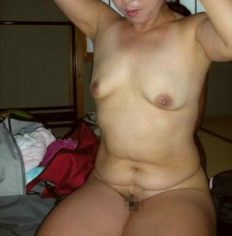 人妻 熟女 全裸 中年太り おばさん ヌード エロ画像【21】