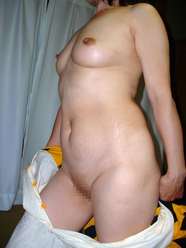 人妻 熟女 全裸 中年太り おばさん ヌード エロ画像【29】