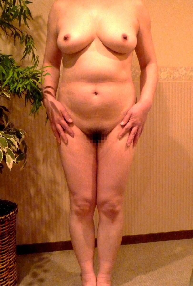 人妻 熟女 全裸 中年太り おばさん ヌード エロ画像【33】