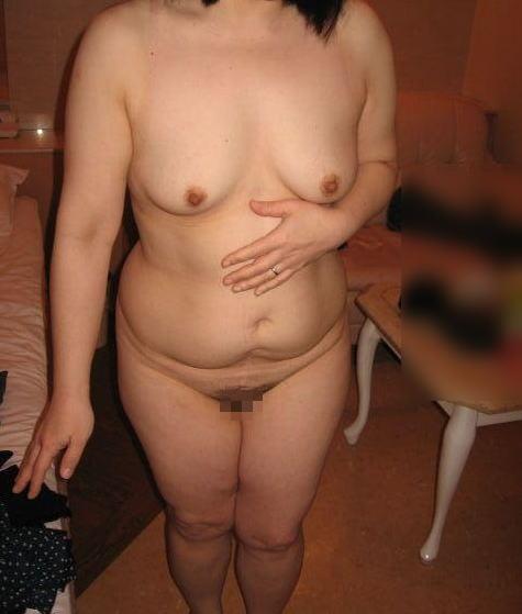 人妻 熟女 全裸 中年太り おばさん ヌード エロ画像【34】