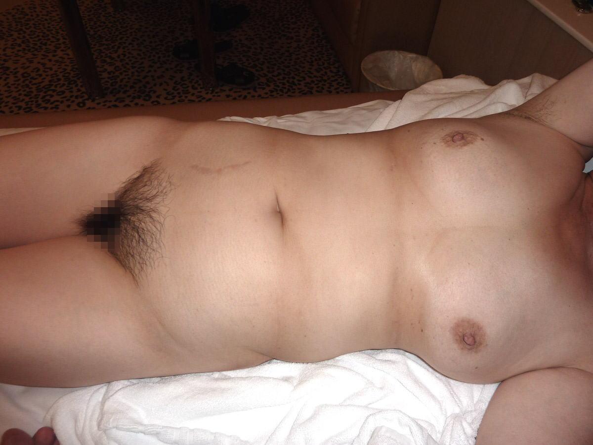 人妻 熟女 全裸 中年太り おばさん ヌード エロ画像【36】