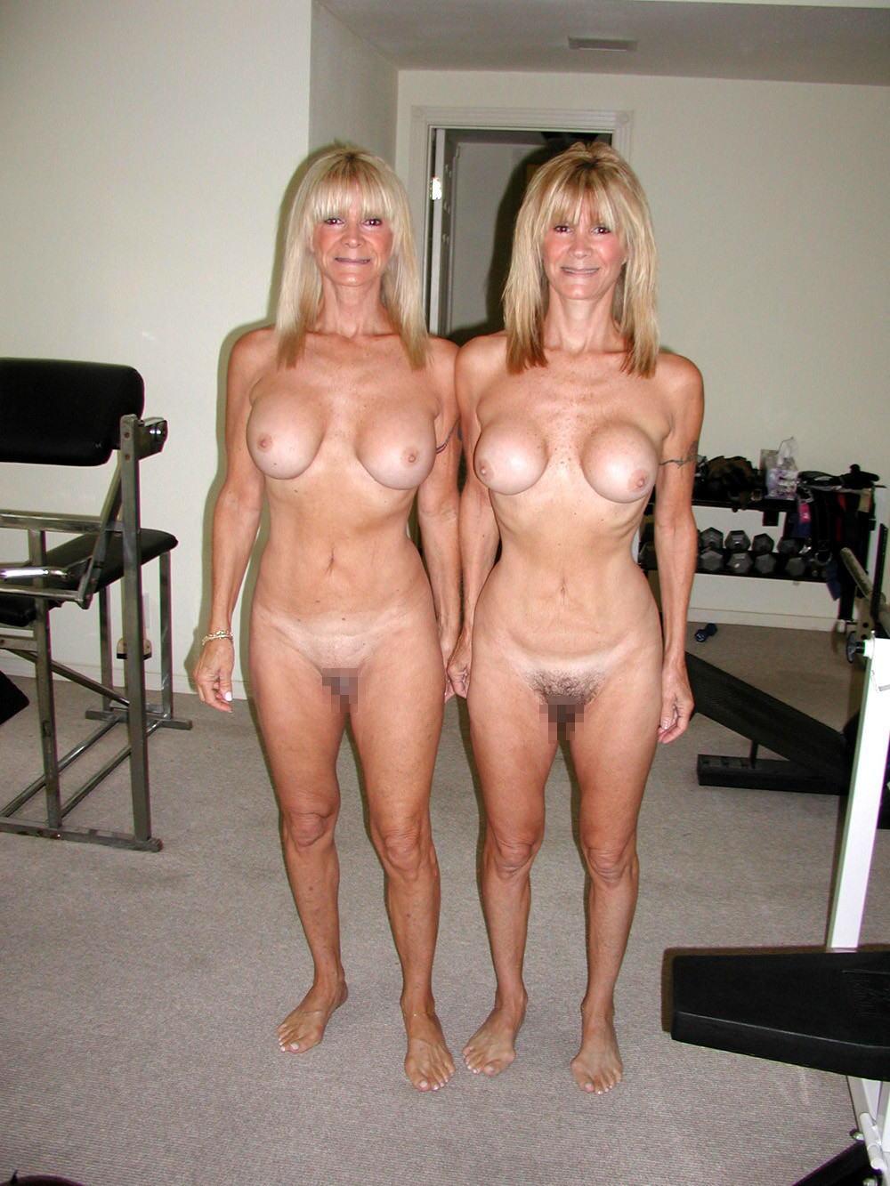 一卵性双生児 双子 姉妹 ツインズ ヌード 全裸 エロ画像【37】