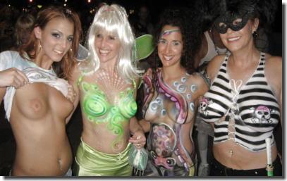 おっぱいカーニバル!マルディグラという乳出し祭り画像集 ②