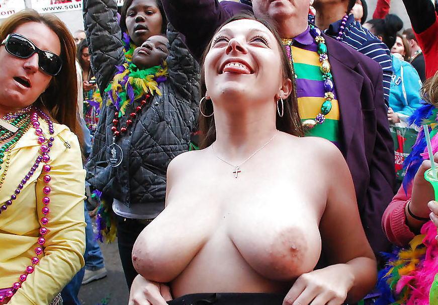 おっぱい カーニバル マルディグラ 祭り エロ画像