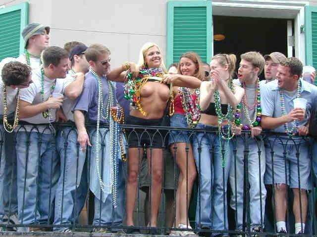 おっぱい カーニバル マルディグラ 祭り エロ画像【34】