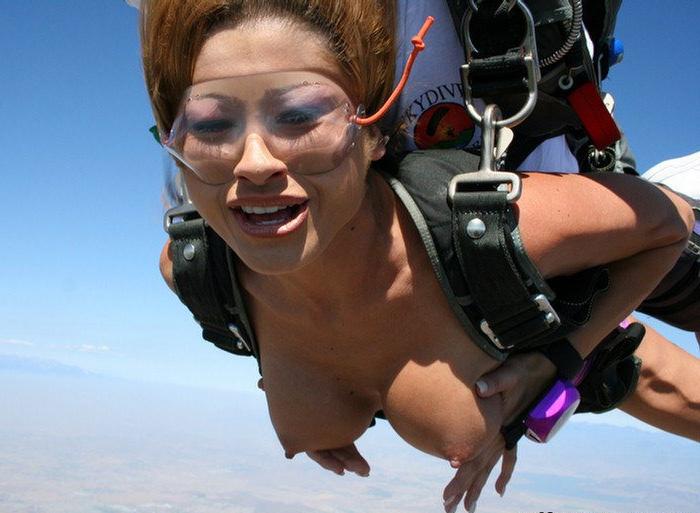 裸 空 飛ぶ クレイジー ヌード スカイダイビング エロ画像【20】