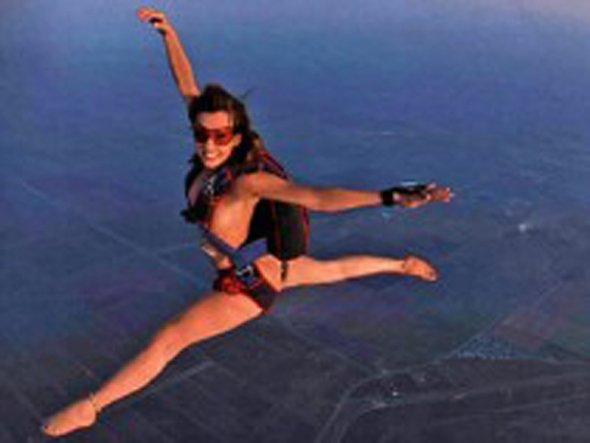 裸 空 飛ぶ クレイジー ヌード スカイダイビング エロ画像【21】