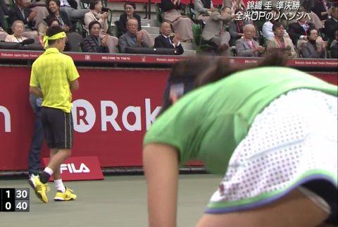 テニス錦織、ボールガールの白ハミパンが気になりすぎて敗退!
