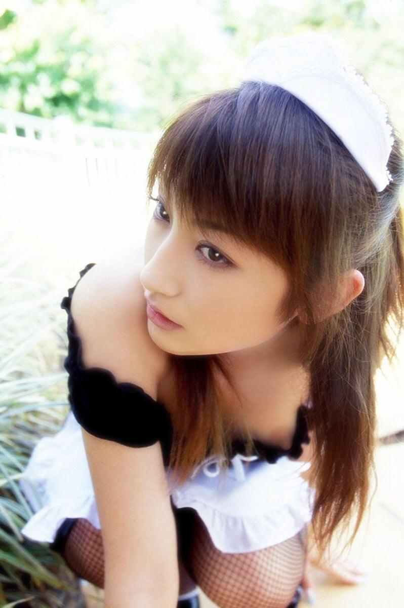 ノーブラ 美女 乳首チラ 胸チラ 美人 エロ画像【26】
